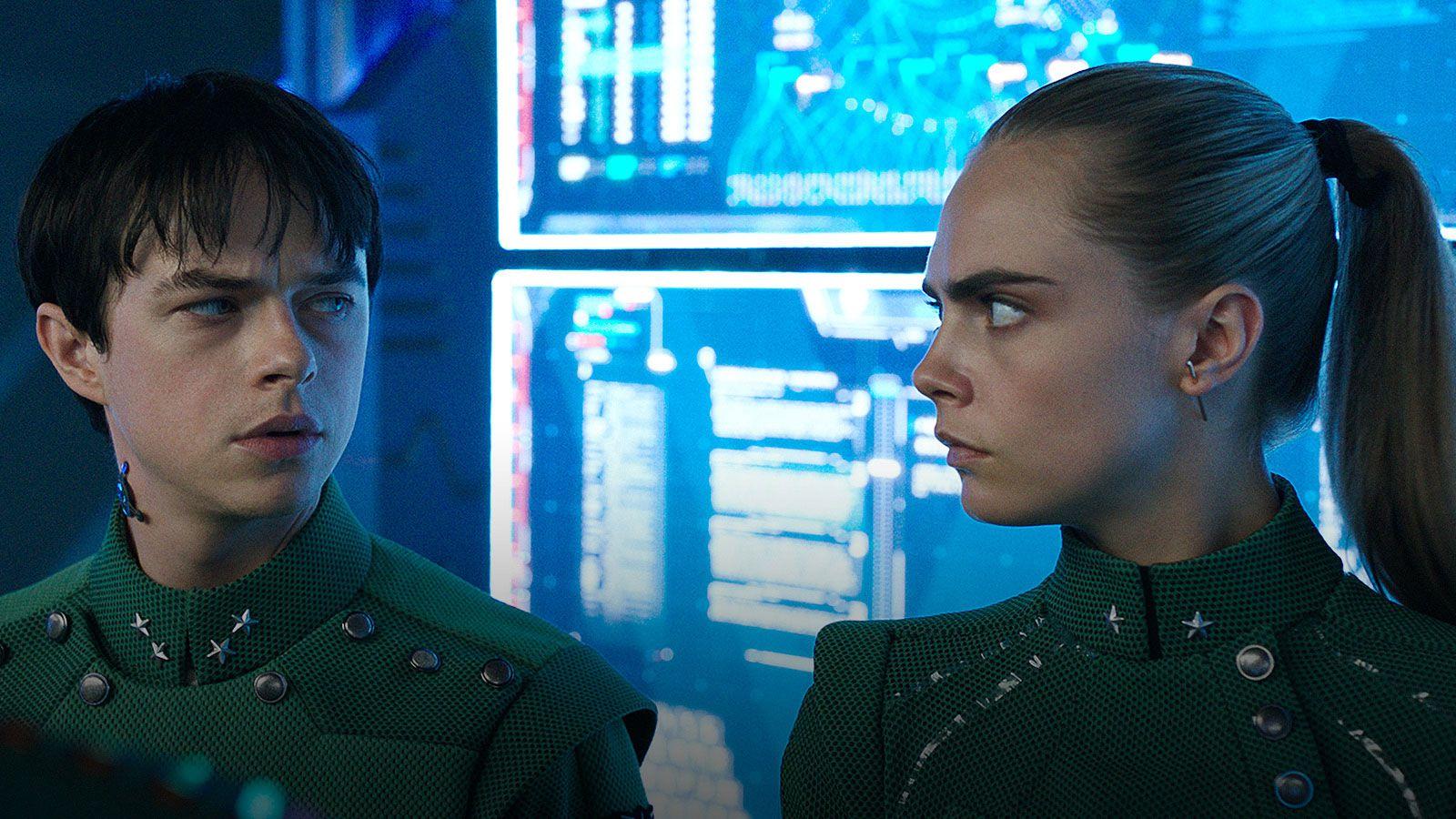 ภาพยนตร์เรื่องนี้เปิดเรื่องเกี่ยวกับประวัติศาสตร์อันยาวนานนับศตวรรษของอัลฟ่าสถานีอวกาศ